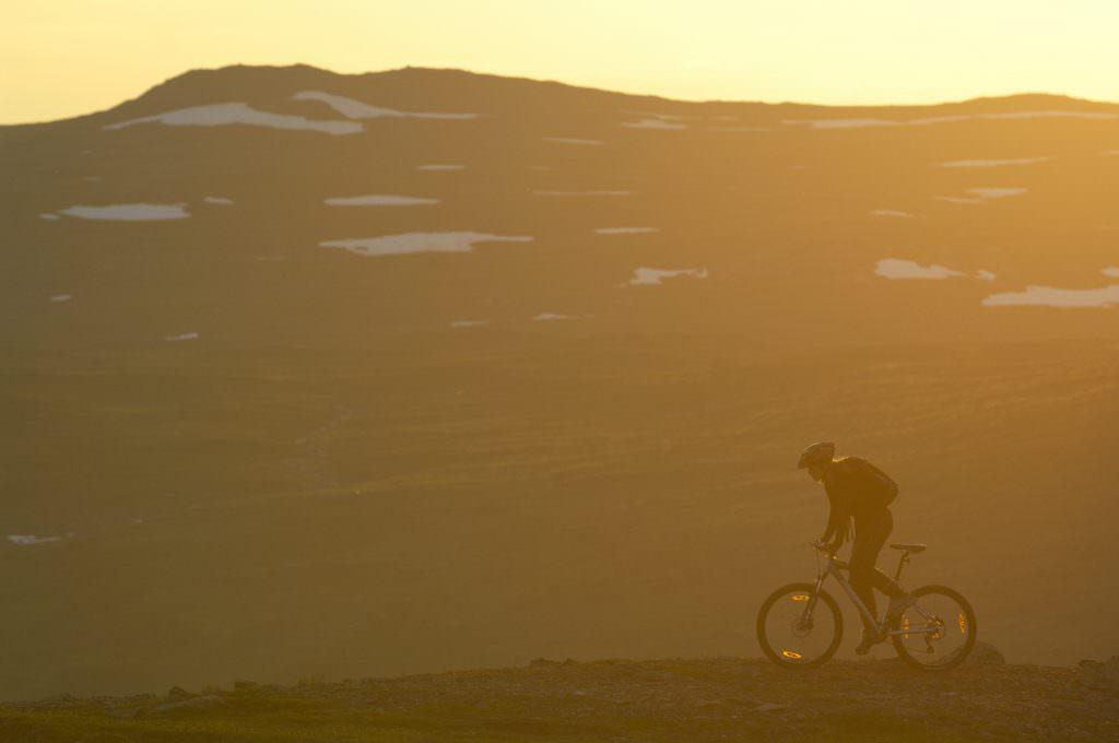 staffan_widstrand-midnight_sun_biking-1597