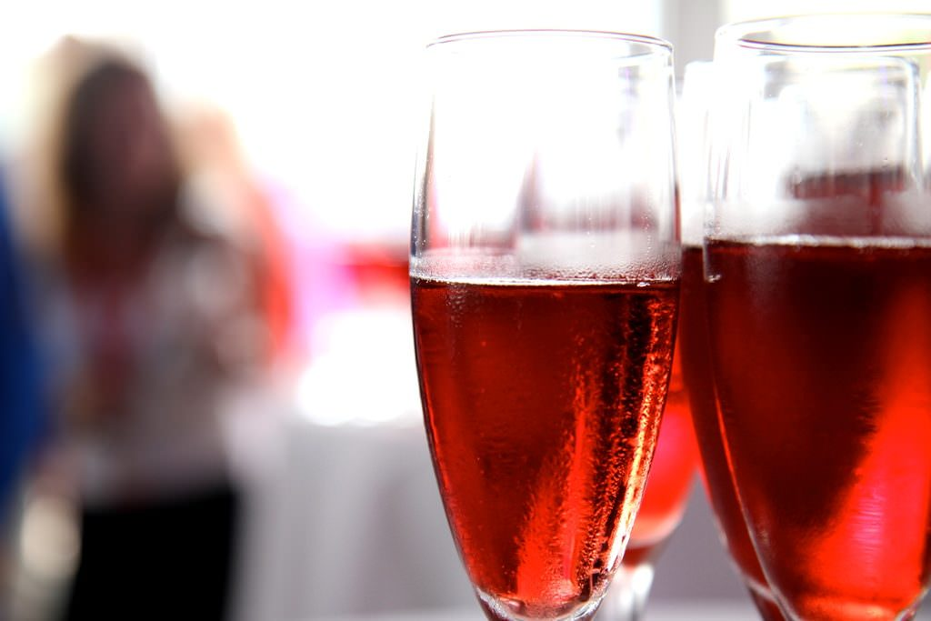 sparkling_rose_wine